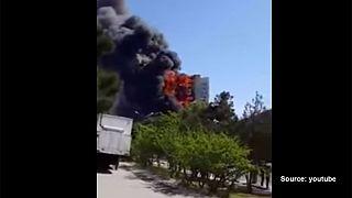 Μπακού: Τουλάχιστον 15 νεκροί από μεγάλη πυρκαγιά σε συγκρότημα πολυκατοικιών