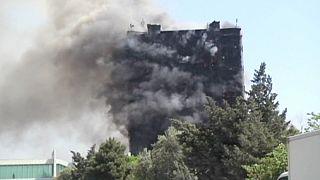 Un incendio en un edificio mata a dieciséis personas en Bakú