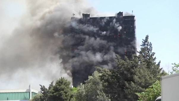 مقتل 16 شخصاً في باكو بسبب احتراق مبنى سكنى