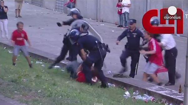 Πορτογαλία: Αστυνομικοί ξυλοκόπησαν οπαδό μπροστά στα παιδί του – Βίντεο
