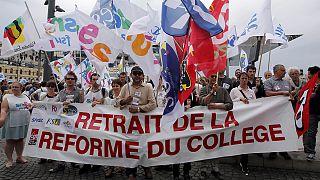 França: Professores em greve contra reforma educativa de Hollande
