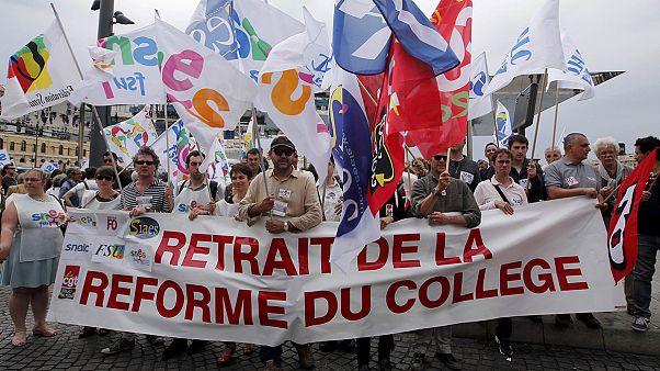 Tanárok az oktatási reformok ellen Franciaországban