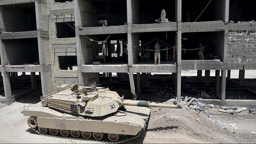 Irak rescata a una treintena de soldados del cerco del grupo EI en Ramadi