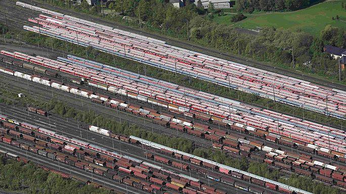 New strike halts German public rail services again