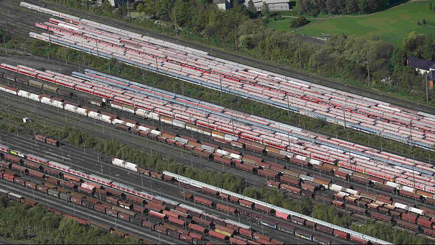 New strike halts German public rail services again