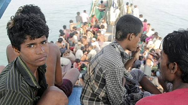 Malaysia and Indonesia offer shelter to 7,000 'boat people'