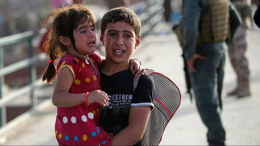 Refugees pour out of Ramadi as battle for city rages