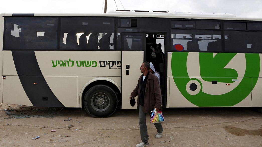 """Israel: Nethanyahu trava """"autocarros da segregação"""""""