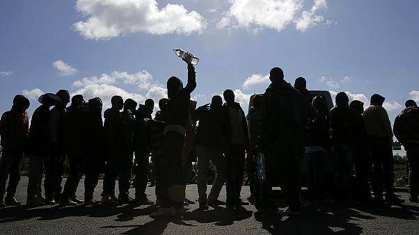 La Commission européenne critique les pays qui demandent de sauver les migrants mais refusent de les accueillir