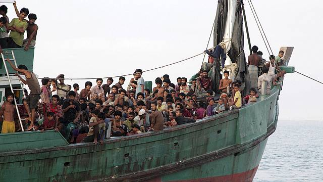 Thailand calls May 29 summit on Rohingya 'boat people' crisis