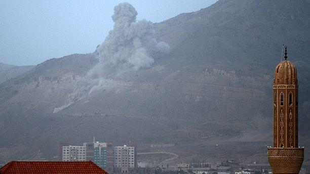 Stranded Yemenis return home as UN peace talks are announced