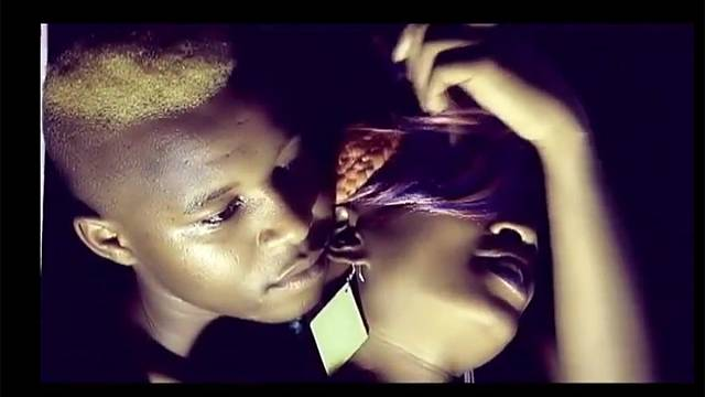 Ouganda: une chanteuse devant la justice pour un clip jugé pornographique