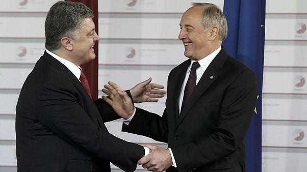 Krieg in der Ukraine überschattet EU-Gipfeltreffen in Riga