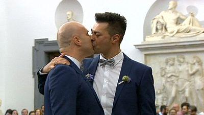 21 maggio. Roma celebra 11 unioni gay nella giornata contro l'omofobia
