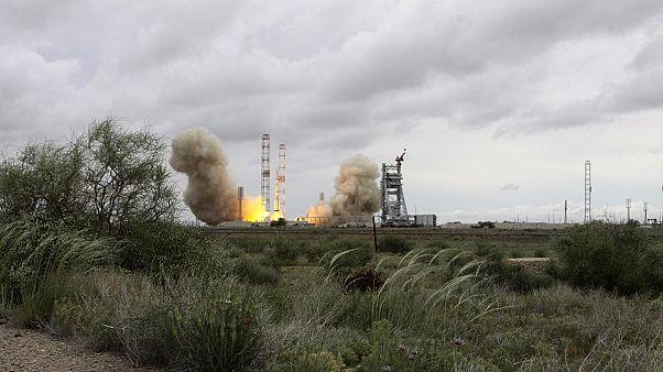 Российская космонавтика: через тернии к звездам