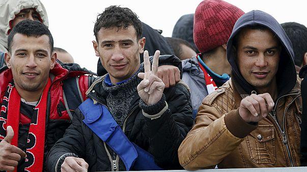 На Сицилию доставлены сотни нелегальных мигрантов