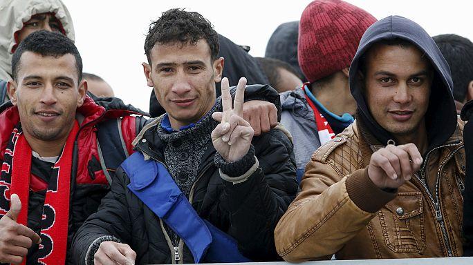 Akdeniz'de bir günde 900 göçmen kurtarıldı