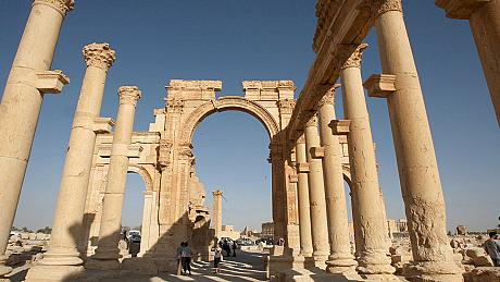 Footage shows ISIL in control of Syrian city of Palmyra