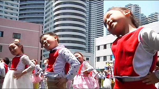 Coreia do Norte celebra o seu dia da saúde infantil