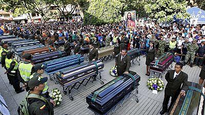 Colombia, in migliaia ai funerali vittime frana a Salgar