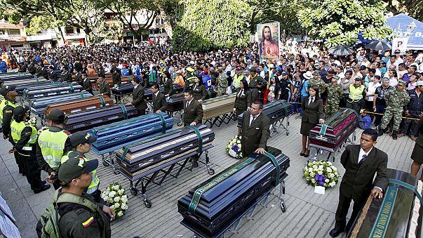 Huge funeral crowd honours victims of Colombian landslide