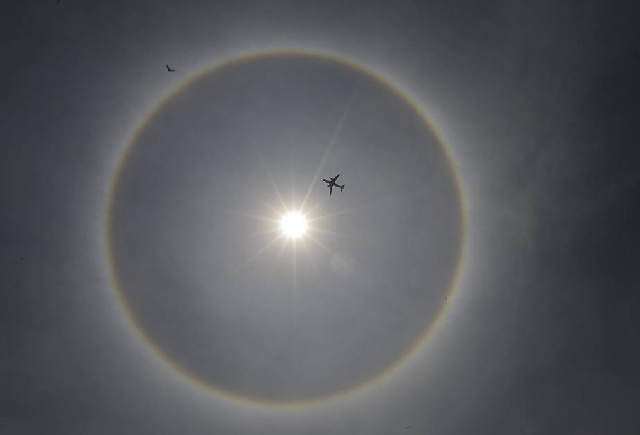 Un halo solaire dans le ciel de Mexico