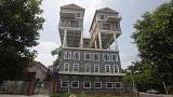 Who would live in a house like this? 9 bizarre abodes in photos