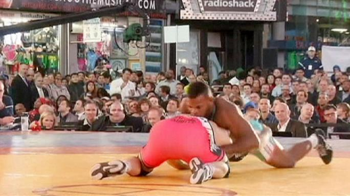 USA-Kuba birkózómeccs a Times Square-en
