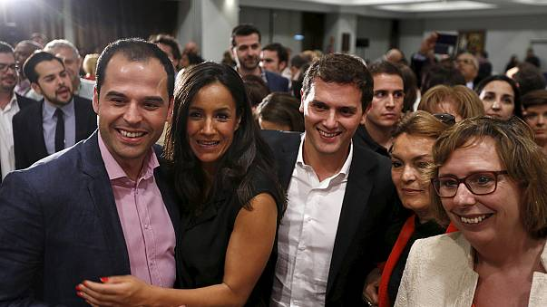 """Выборы в Испании: конец """"двухпартийной системы""""?"""