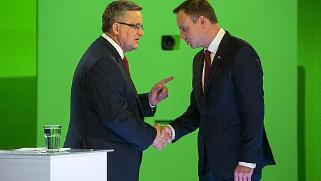 Poles go to the polls in presidential run-off