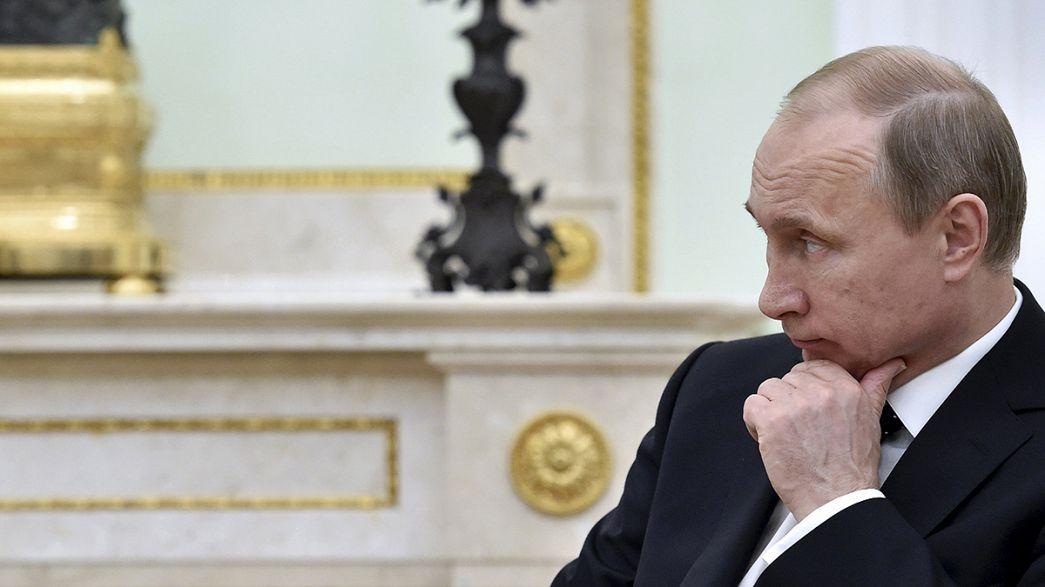 Russia: Putin promulga la legge che mette al bando le ONG anti-governo