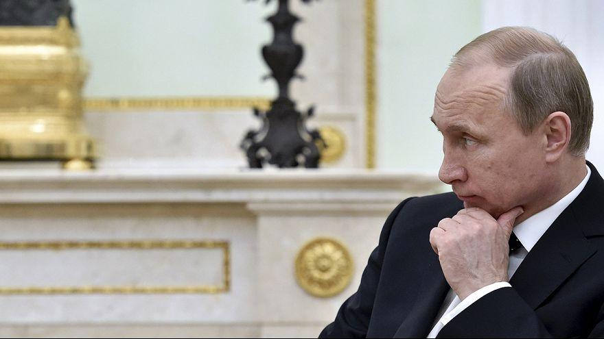 """Estados Unidos """"profundamente preocupados"""" com promulgação da lei para banir ONG """"indesejáveis"""" na Rússia"""