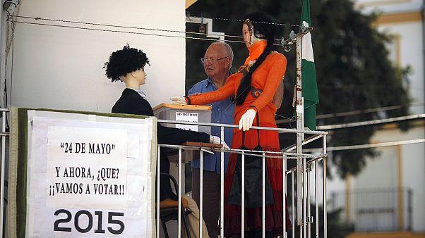Ισπανία: Τοπικές εκλογές - πρόκριμα για τις εθνικές κάλπες