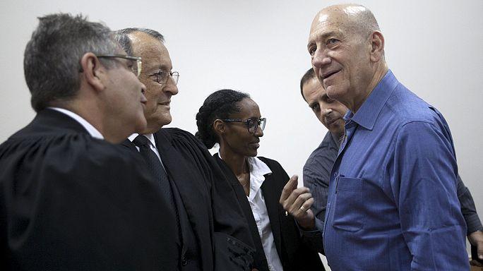 الحكم على إيهود أولمرت بالسجن ثمانية اشهر مع النفاذ بتهمة الفساد