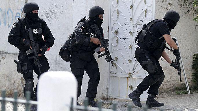 Тунис: перестрелка в казарме. Семеро погибших