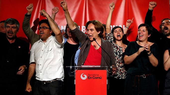 """Espagne : Les """"Indignés"""" à la porte de Madrid et Barcelone"""