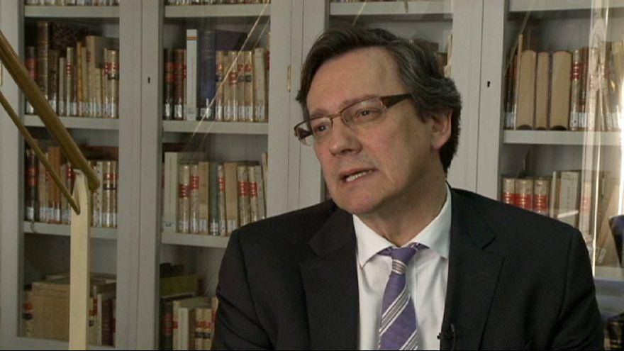 """F. Vallespín: """"O Rajoy cambia radicalmente o lo tendrá muy difícil en las generales"""""""
