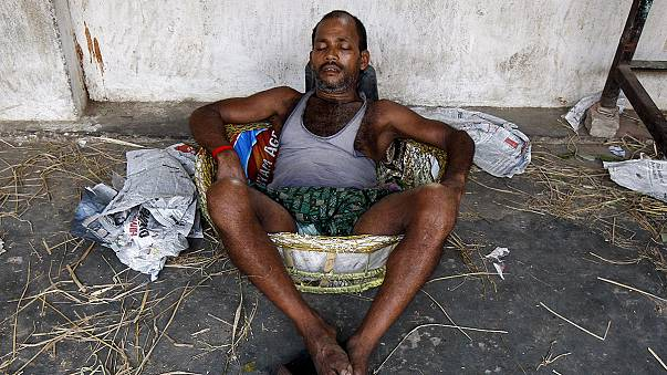 В Индии от жары умирают люди