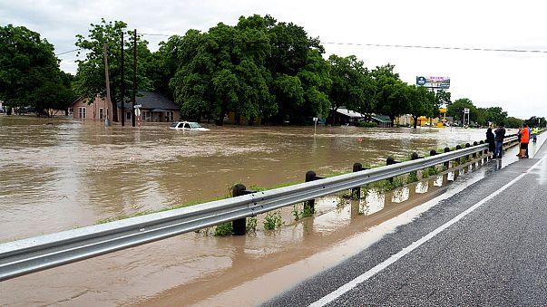 Texas, stato d'emergenza dopo inondazioni record