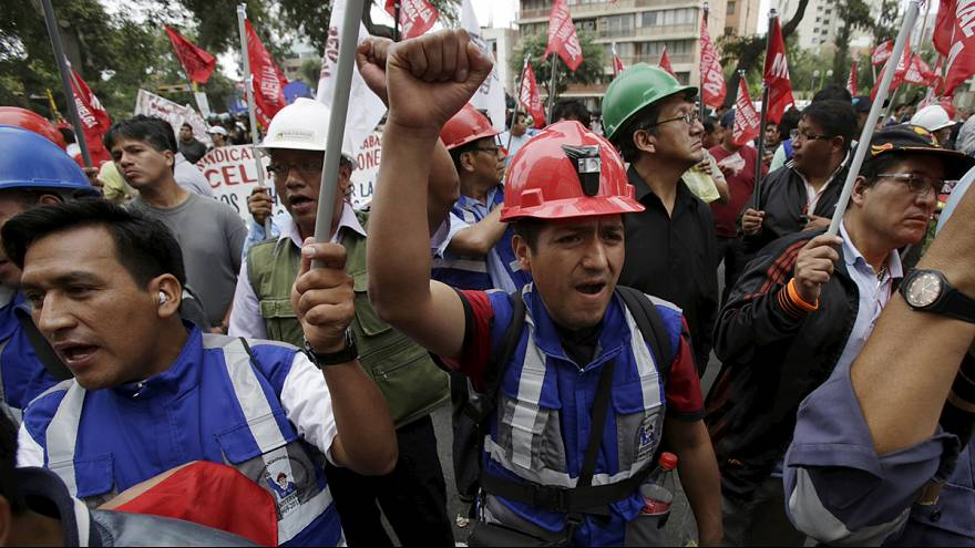 Peru: man shot dead by police during mining protest, says union