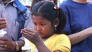 النيباليون بعد مرور شهر على الزلزال المدمر