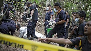Au fond de la jungle malaisienne, des ossements, ceux de migrants?