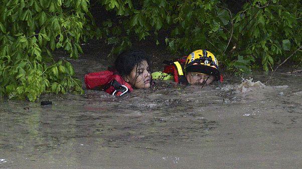 Mexikóban halálos áldozatai is vannak a viharnak