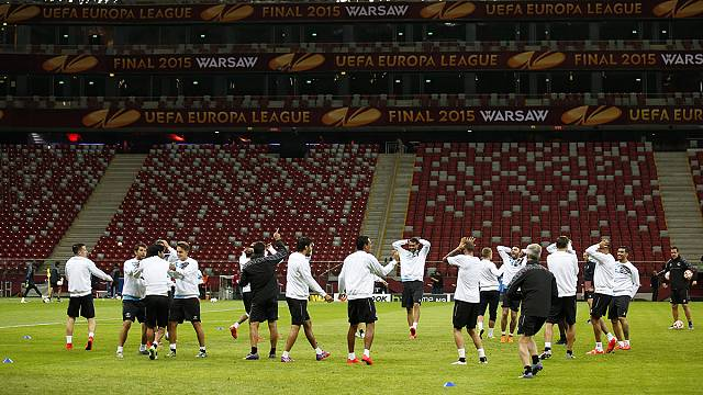 Liga Europa: Sevilha procura recorde. Dnipro quer entrar na história