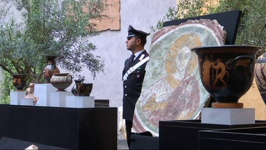 États-Unis : un vase étrusque vieux de  2 500 ans rendu à l'Italie