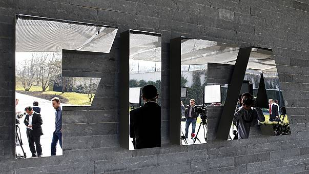 Swiss police arrest several senior Fifa executives in a morning raid at a five-star hotel in Zurich