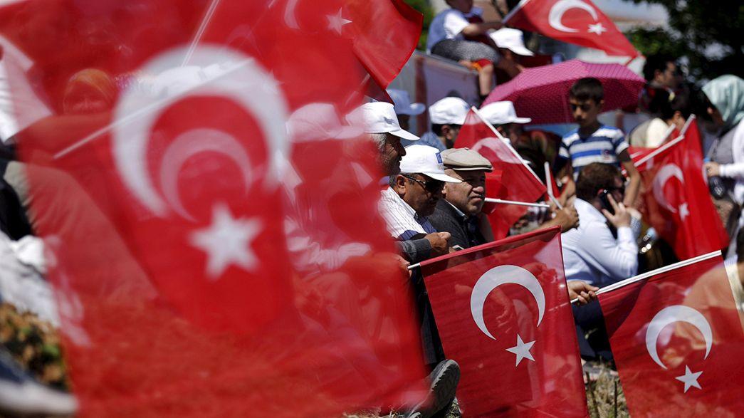 Turchia al voto: numerosi episodi di violenza, Akp punta a maggioranza assoluta