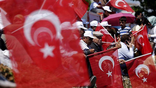 Sorsdöntő választás előtt Törökország