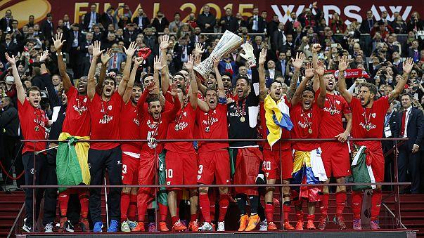 Sevilla edge out Dnipro to retain Europa League crown