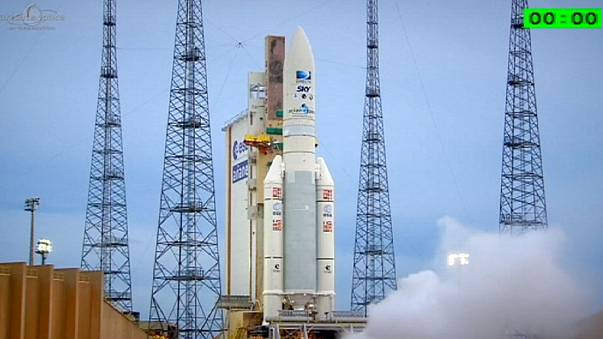 Ariane 5 launches a further two satellites into space